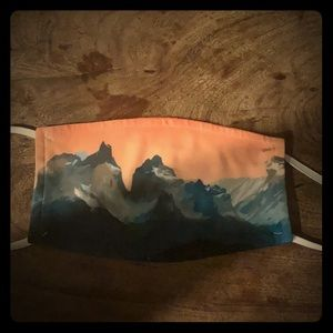 Mountain graphic mask